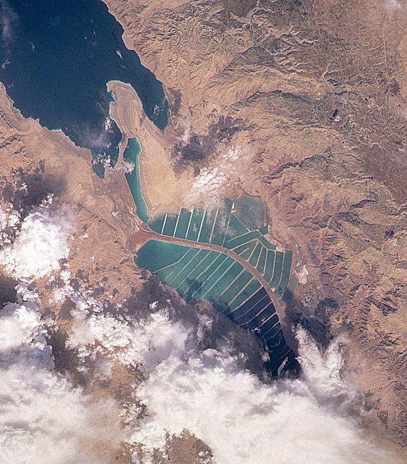 Dead-Sea---Salt-Evaporation-Ponds.jpg
