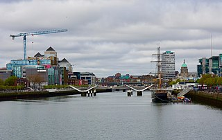 Dublin City Centre from Samuel Beckett Bridge (42090378881).jpg