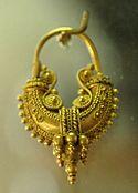 Orecchino in oro, fine IV secolo a.C.