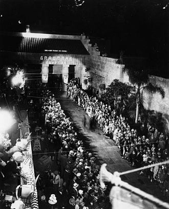 Grauman's Egyptian Theatre - Grauman's Egyptian Theatre exterior, 1922