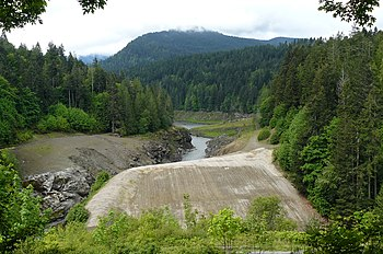 Elwha Dam in 2013 (from wikipedia)