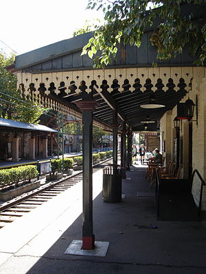 Tren de la Costa - Borges station, in the residential area of Olivos