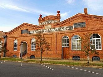 Eufaula, Alabama - Image: Eufaula Alabama Cotton Reeves Peanut Company