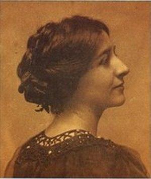 Evelyn Beatrice Longman - Longman circa 1904