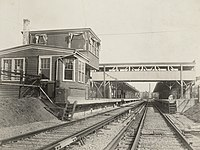 Everett (Main Line Elevated) station, 1918.jpg