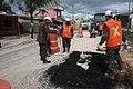 Exército faz operação tapa-buracos nas ruas de Tabatinga (38241557372).jpg
