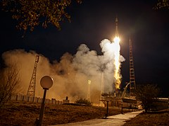 Expedition 61 Launch (NHQ201909250008).jpg