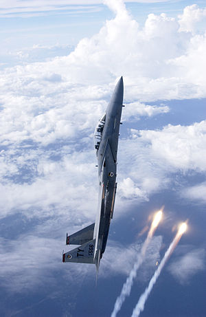 Rate of climb - An F-15 Eagle climbing and releasing flares
