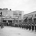Fanfarekorps en erewacht bij een ontvagst bij de Pauselijke Nuntius in Beiroet, Bestanddeelnr 255-6277.jpg