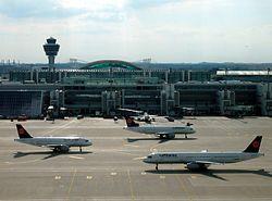 Flughafen München Franz Josef Strauß – Vorfeld 2 (Airbus-A320-Familienmitglieder der Lufthansa).JPG