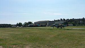 Militärhistorisches Museum Flugplatz Berlin-Gatow - Image: Flugplatz Gatow Kulturdenkmal 09085643 20160608 105900 Hangar 1