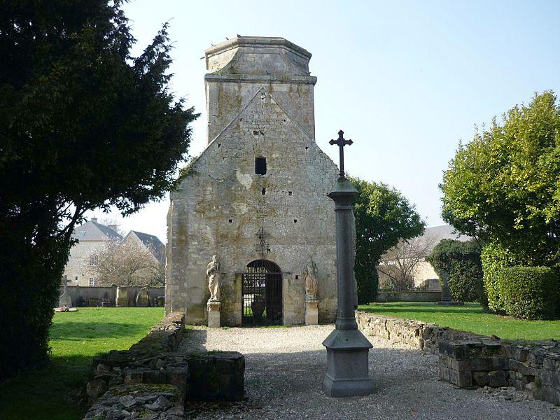 Vestiges de l'église Saint-Martin de Fontenay-le-Pesnel (Calvados)