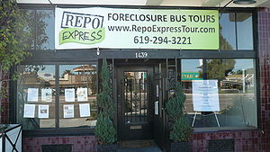 English: Bustour touring foreclosures in San Diego