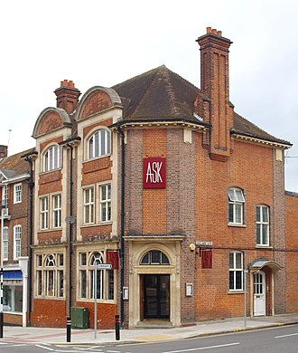 Northwood, London - Image: Former Post Office, Northwood, Middlesex
