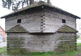 Dayton, Oregon - Fort Yamhill blockhouse, in Courthouse Square Park