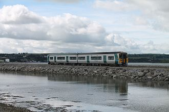 Fota railway station - A 2600 approaches the Belvelly viaduct, just to the South of Fota station