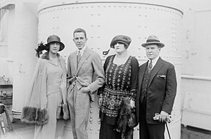 François Coty - Coty and Paul Dubonnet in 1918 with their wives