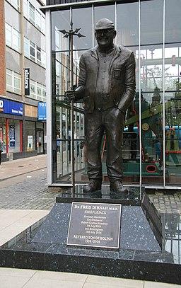 Fred Dibnah memorial - geograph.org.uk - 963217