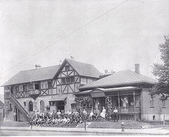 G. Heileman Brewing Company - G. Heileman Brew House, circa 1910