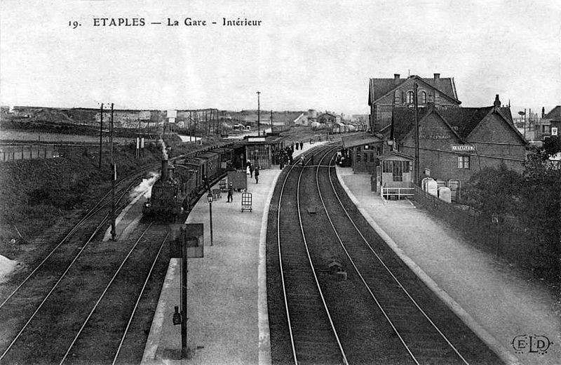 File gare etaples int rieur wikimedia commons for Interieur 1900