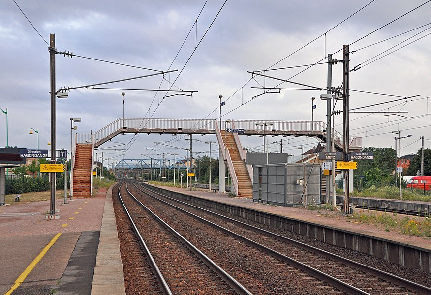 Maizières-lès-Metz (France): Railway station - the platforms