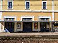 Gare de Tonnerre vue depuis le quai direction Paris.jpg