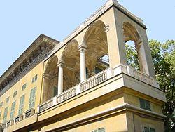 都拉佐-帕拉维奇尼宫