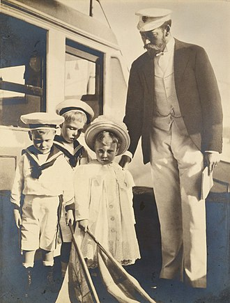 Edward VIII - Edward (second from left) with his father and younger siblings (Albert and Mary), photograph by his grandmother Alexandra, 1899
