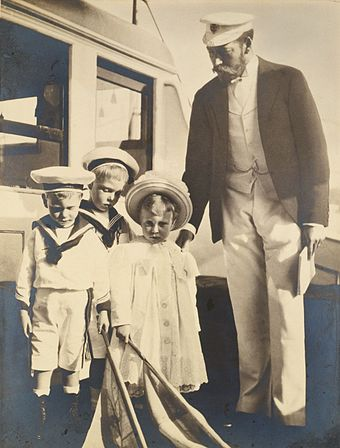 Edward (second from left) with his father and younger siblings (Albert and Mary), photograph by his grandmother Alexandra, 1899 George, Duke of York, and his children.jpg