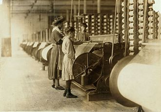 Loray Mill strike - Two young girls working at the mill in 1908