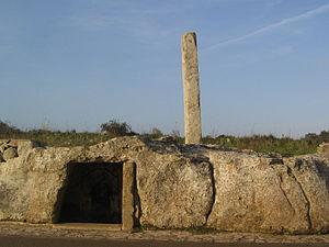 Giurdignano - San Paolo standing stone