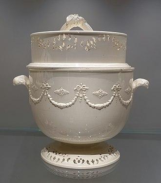 Creamware - Wedgwood ice-bucket (glacier) in three parts, 1770-1775, Queen's ware
