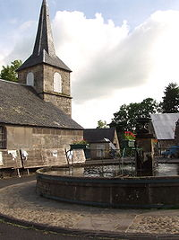 Godivelle-fontaine-eglise.jpg
