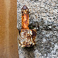 Gond de volet peint rouillé, Dinan, France.jpg