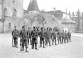 Gruppe von Infanteristen beim Bajonettfechten - CH-BAR - 3238124.tif
