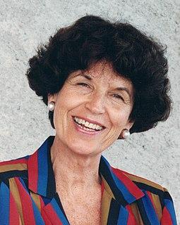Helena Araújo Colombian writer