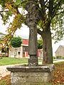 Habergy - Calvaire situé devant l'église.JPG