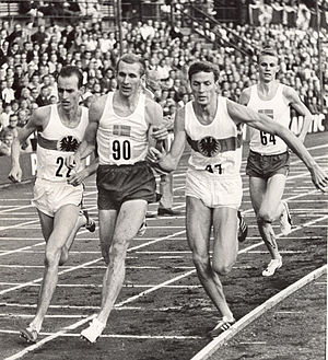 Anders Gärderud - Gärderud (right) behind Harald Norpoth, Karl-Uno Olofsson and Bodo Tümmler in 1964