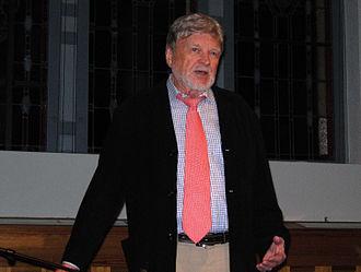 Hardy Krüger - Hardy Krüger during a lecture (2009)