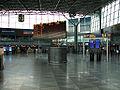 Helsinki-Vantaa departure hall2.jpg