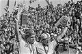 Heren profs wereldkampioen Jan Raas tijdens de huldiging, links Dietrich Thurau, Bestanddeelnr 930-4113.jpg