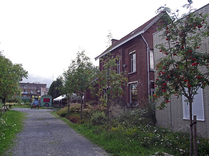 Former vicinal railway station. Next to it there is former Brussels tram.