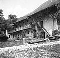 Hiša z gospodarskim poslopjem, Staro selo, pri Švalc 1951.jpg