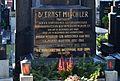 Hietzinger Friedhof - gravestone Ernst Mischler.jpg