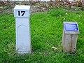 Historische kilometerpaal langs de Delftse Vliet Rijswijk.jpg
