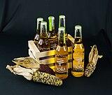 Hoila-Cider from Zingerle, Bolzano, South Tyrol mit Kiste und Kukuruz-0472.jpg