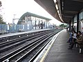 Hounslow East tube station 7.jpg