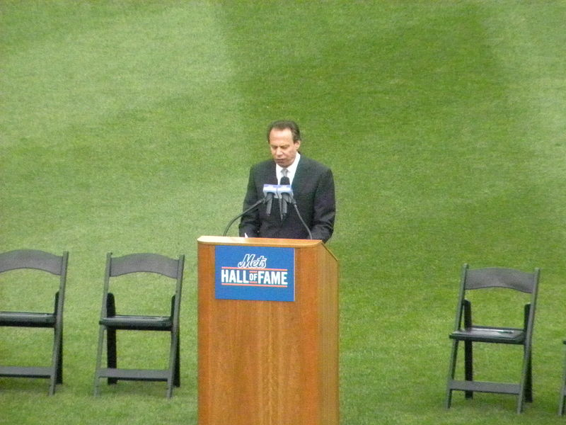 File:Howie Rose Emcees Ceremony.jpg