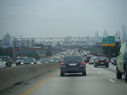 Traffic heading into Philadelphia on Interstate 95 during the morning rush hour. I-95 SB approaching Girard Avenue-Lehigh Avenue.JPG