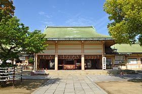 Ikukunitama-jinja haiden-2.JPG